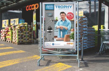 Valencia Kommunikation: Küchengeräte von Jamie Oliver winken - Marketing