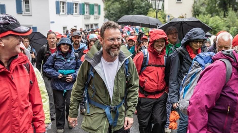 Schweizer Familie: 5000 Teilnehmer am Wandertag in Bad Ragaz