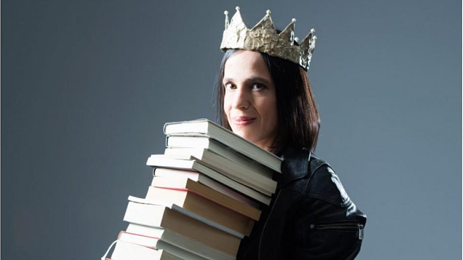 SRF: Annette König verteilt in Bücherblog Kronen