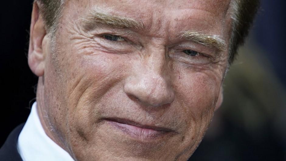 Filmbusiness: Arnold Schwarzenegger am Herzen operiert