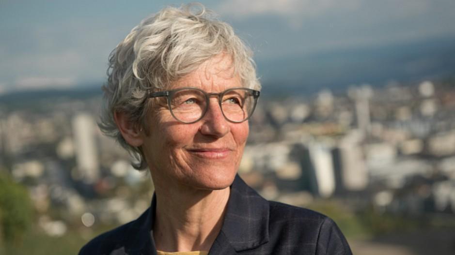 Von SRF in die Privatwirtschaft: Barbara Bürer zügelt den Telefontalk ins «Kosmos»