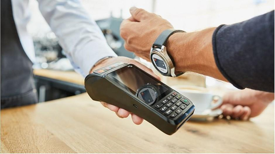 Wearables: Bezahlen mit Uhr oder Ring nimmt zu