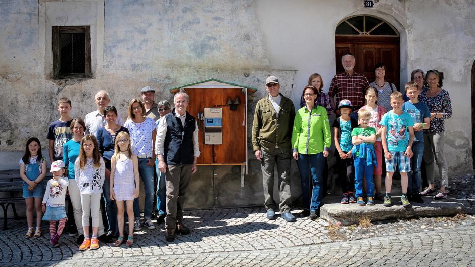 Jung von Matt/Limmat: 166 Tschliner warten, bis das «Dorftelefon» klingelt