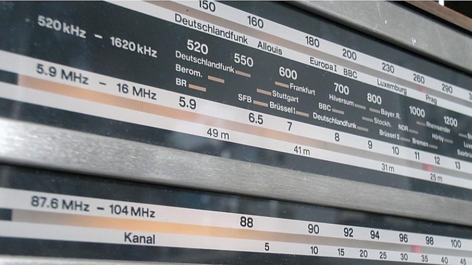 UKW-Abschaltung: Die Radiobranche ist verunsichert