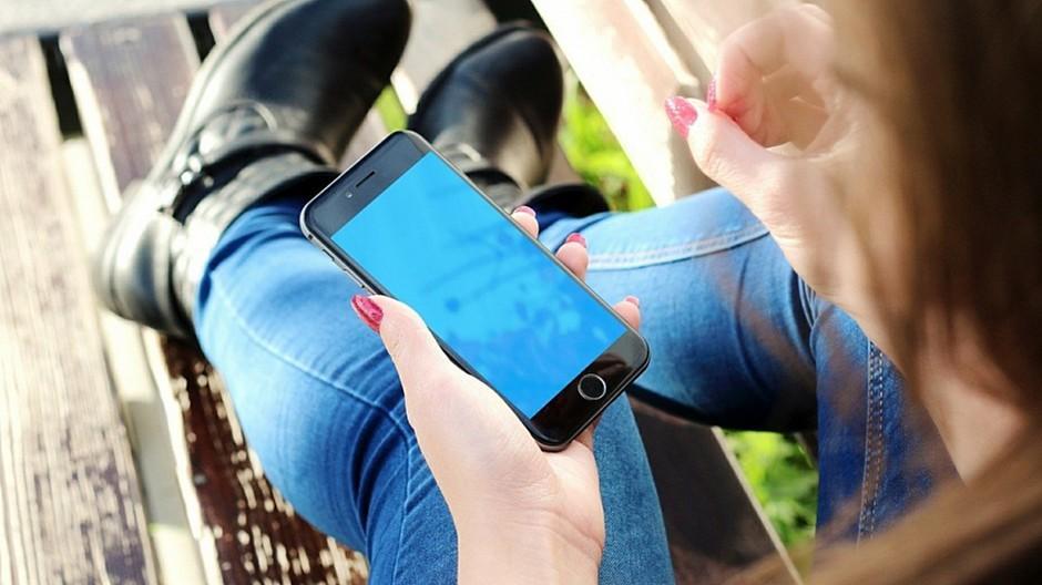 Mobile Shopping: Die Hälfte der Schweizer Websites lädt zu langsam