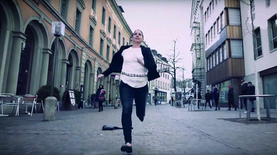 Davos Klosters: Durch die Stadt mitten in die Bergwelt sprinten