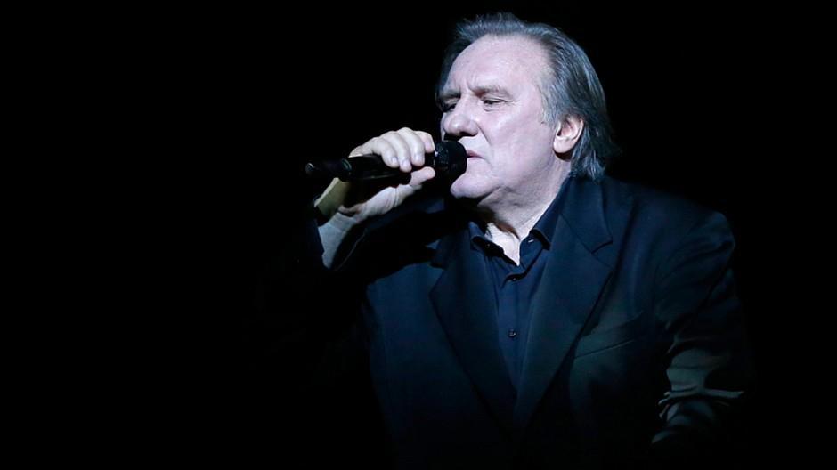 Zermatt Unplugged: Gérard Depardieu singt in Zermatt