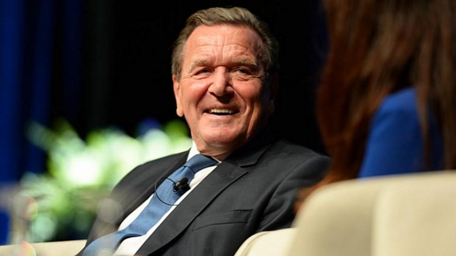 Kommunikationsoffensive: Gerhard Schröder startet einen Podcast