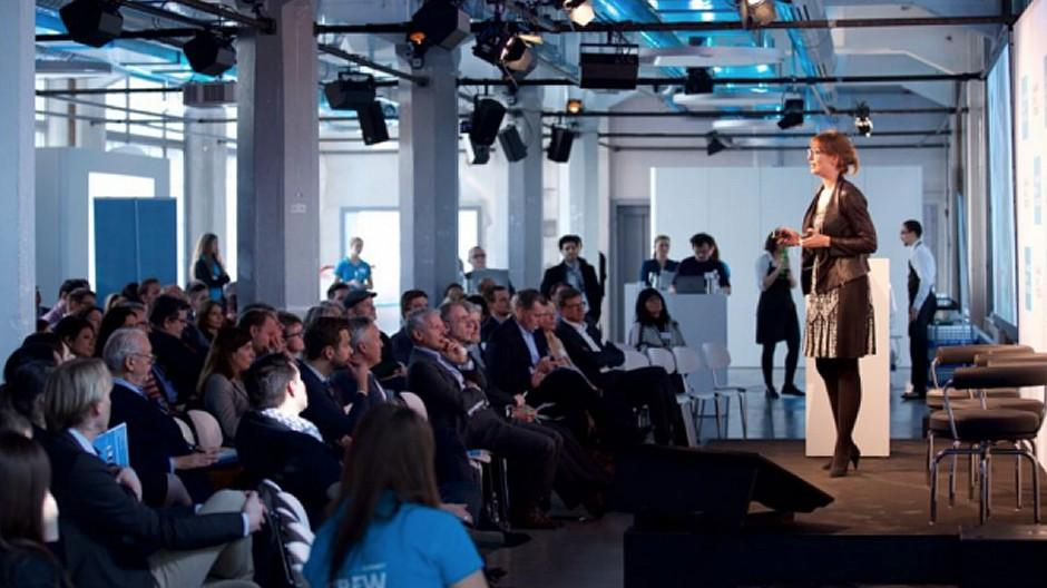 Campaigning Summit: Immer mehr Frauen auf dem Podium