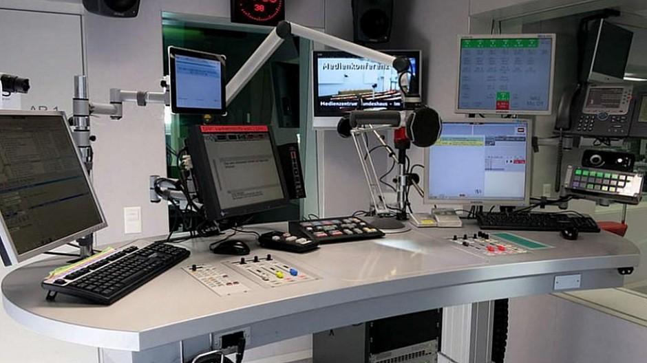 Sparprogramm der SRG: Kantonale Parteipräsidenten wollen Radiostudio in Bern