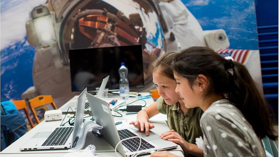 Digitalswitzerland: Kinder tauchen in «Mission Rosetta» ein