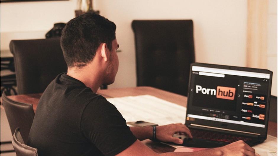 Nicht-einvernehmliche Sexvideos: Klagen gegen Pornhub-Firma