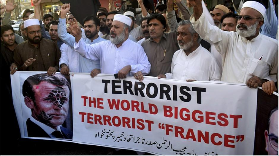 Wut auf Macron: Kritik wegen Mohammed-Karikaturen
