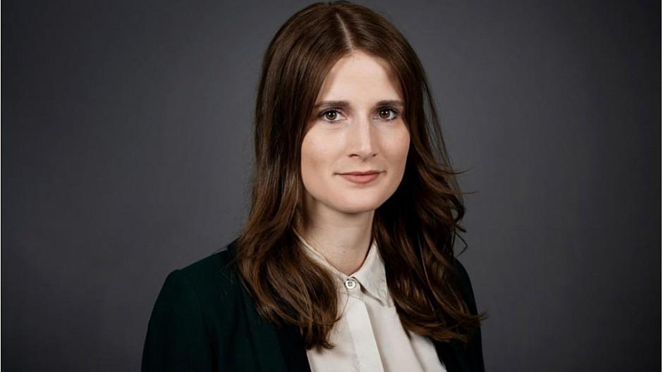 SRF TV: Larissa Rhyn neu im Bundeshaus-Team