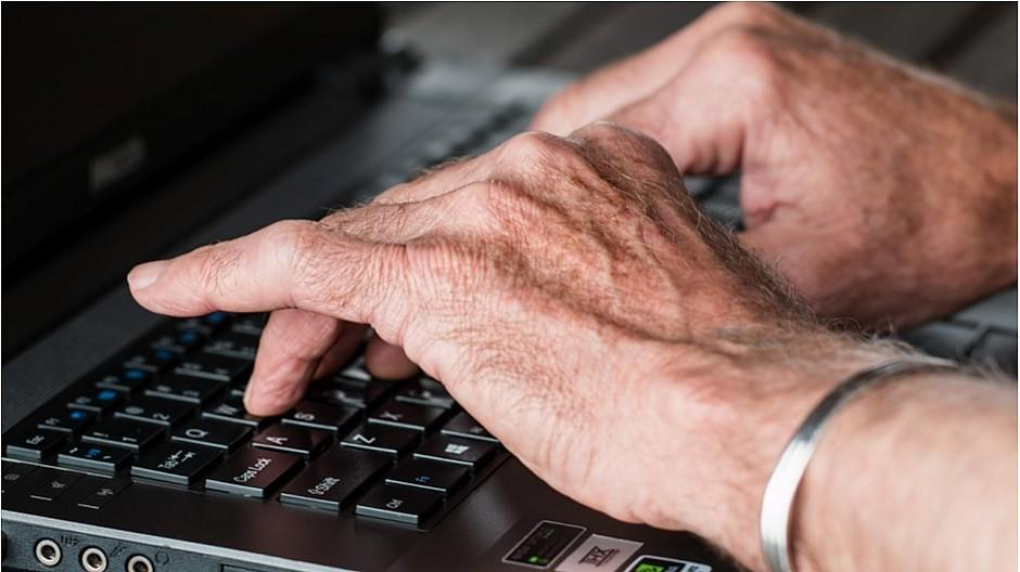 Internetnutzung: Geschlechterunterschied bei Senioren