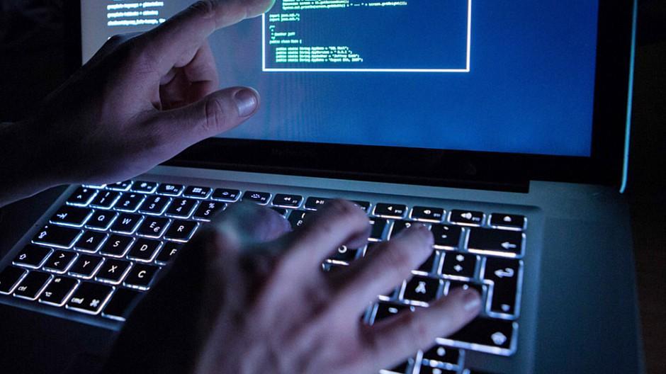 Hackerangriff: Massenhaft Daten deutscher Politiker geleakt