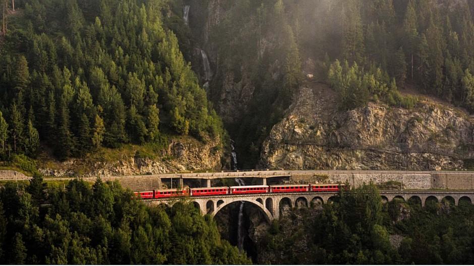 Mandatsgewinn: MetaDesign gewinnt Graubünden