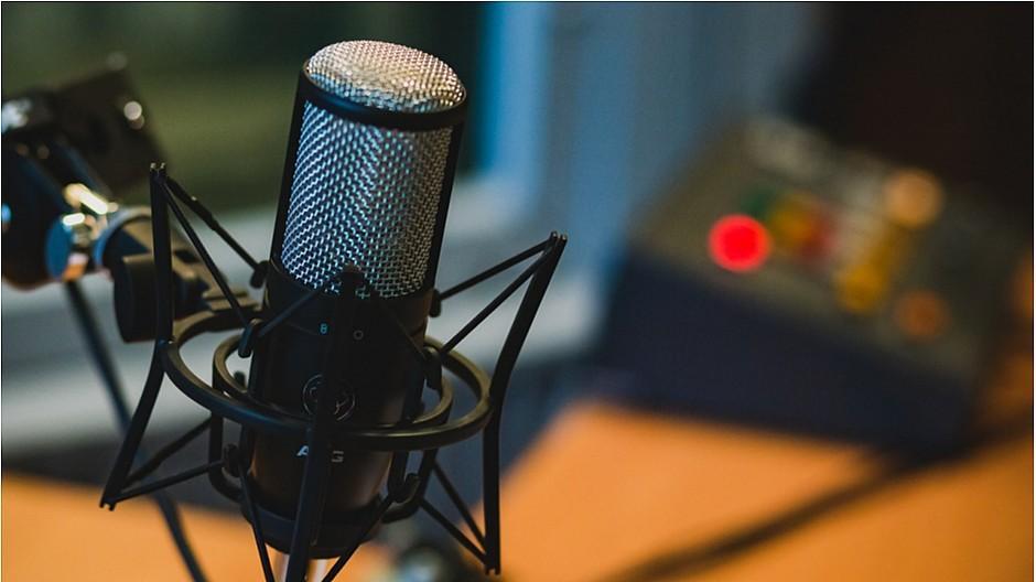 Two Moms: Podcast über das Leben als Eltern lanciert