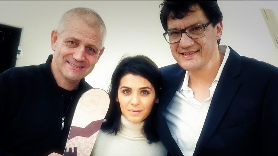 Katie Melua: Sängerin lernt im Val Müstair Skifahren