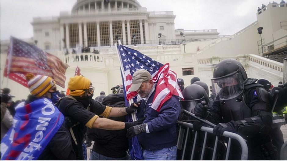 Chaotische Szenen in den USA: So kommentieren Schweizer Zeitungen den Sturm aufs Capitol