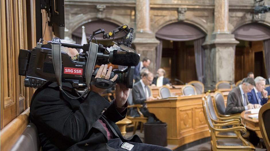 Service-Public-Debatte: SRG kündigt Sparmassnahmen an