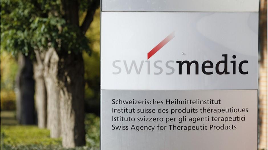 Gesundheitstipp: Swissmedic droht mit massiver Busse