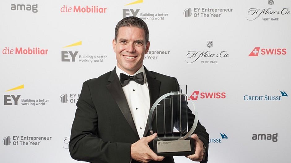 EY Schweiz: Tom Hanan gewinnt Unternehmerpreis