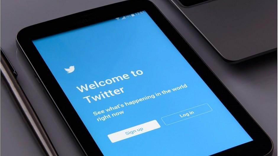 Werbeeinbruch: Twitter prüft Bezahl-Abos