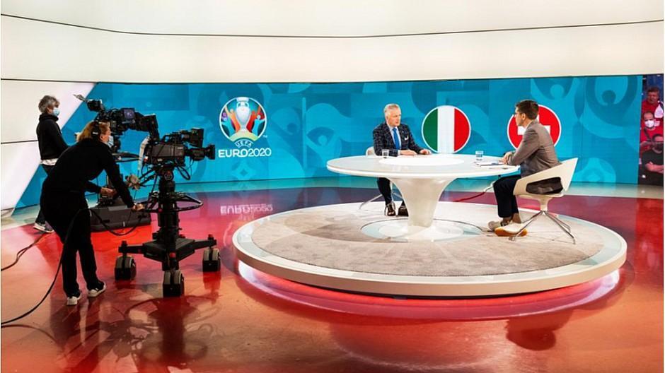 SRF: Uefa Euro 2020 holt die Fussballfans ab