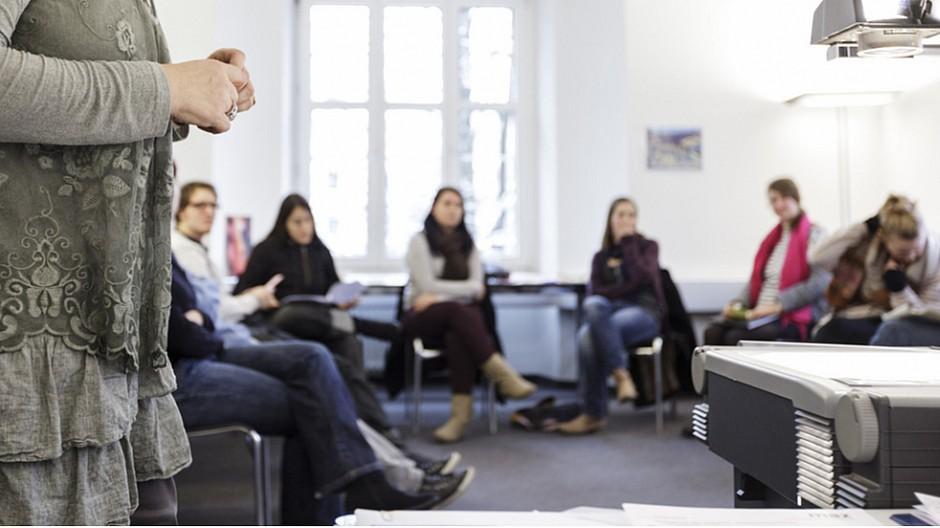 MAZ: Umsatzplus bei der Diplomausbildung