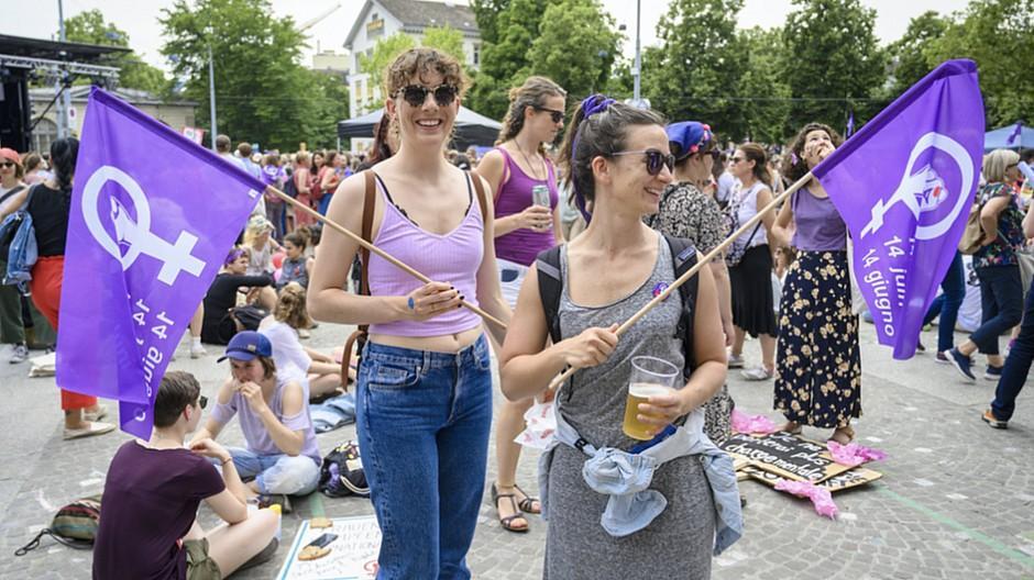 Frauenstreik: Violette Online-Artikel und geschlossene Agentur-Türen