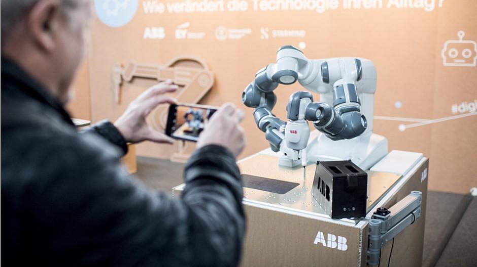 Digitaltag 2017: Von Snack-Robotern und Drohnenballett