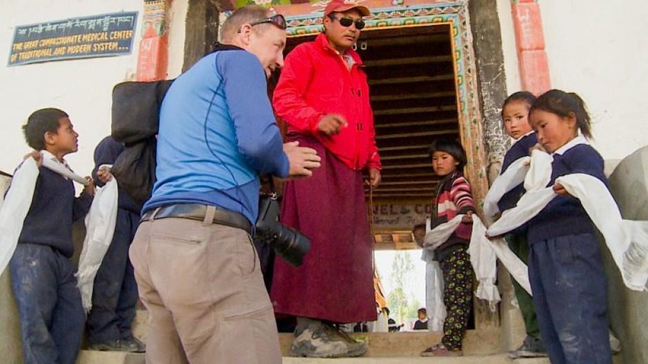 Manuel Bauer: Von SRF nach Nepal begleitet