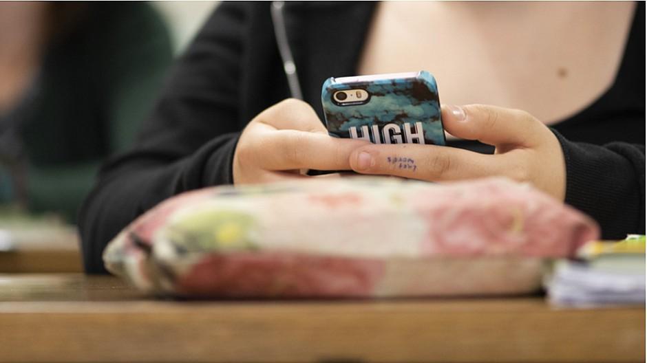 Datenschutz: WhatsApp und Co. gehören nicht an die Schulen