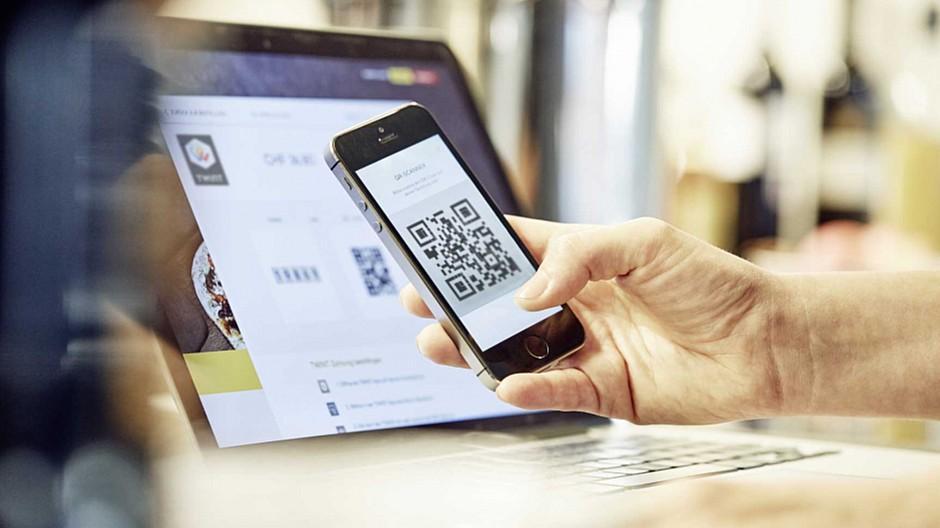 Bezahlen mit dem Smartphone: Warum das Glas trotzdem halbvoll ist