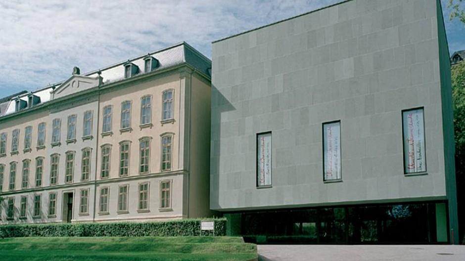 Erdmannpeisker: Zwei Gebäude in einem neuen Logo