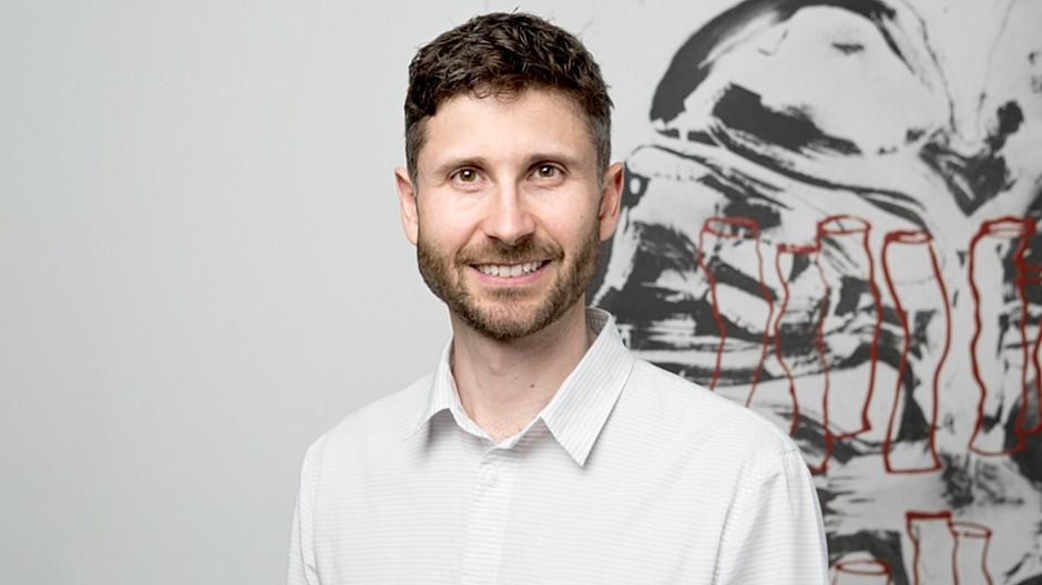 Hotz brand consultants dominik streich wird creative for Brand consultant