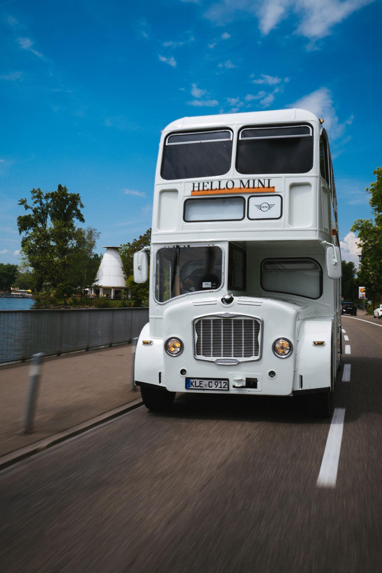 01_Mini_Bus