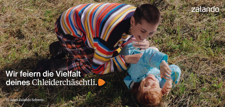 """Chleiderch""""schtli-quer-CHDE-1"""