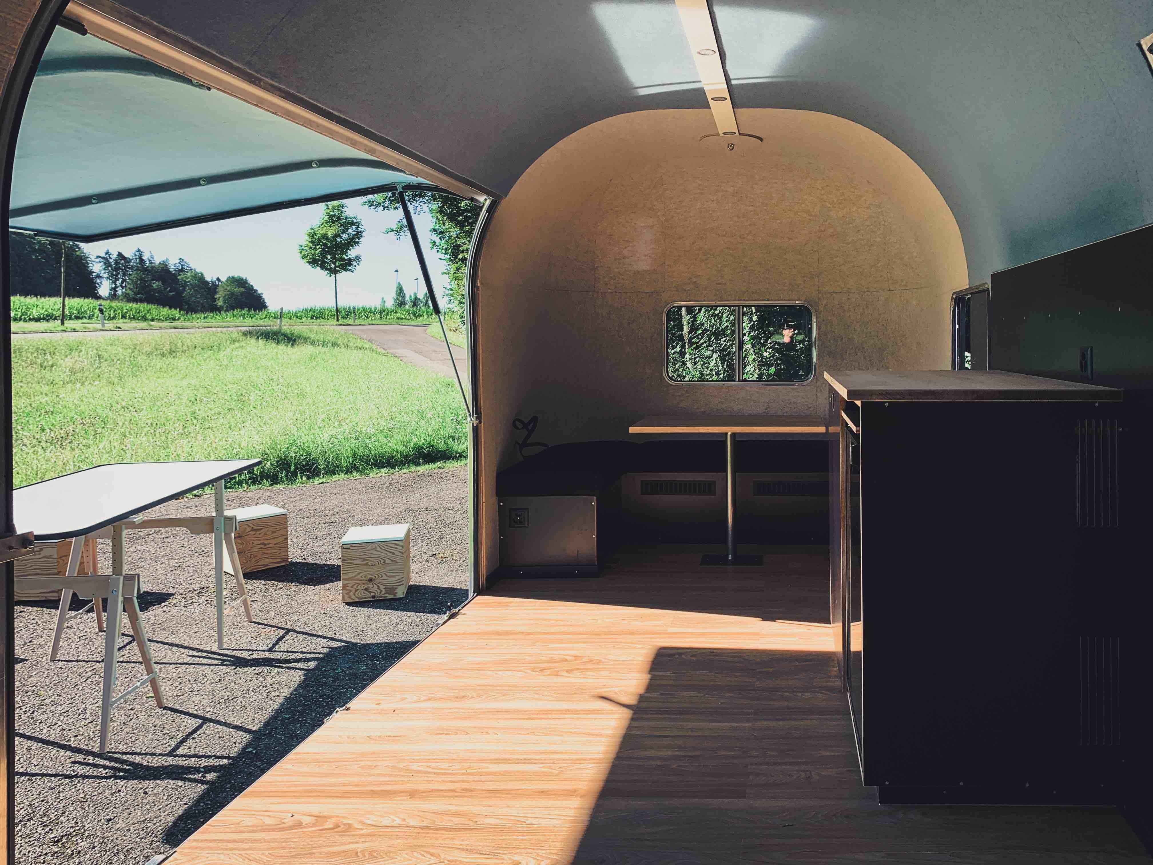 Office_Caravan-3