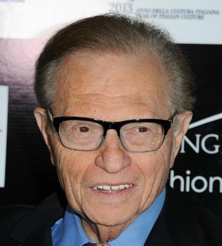 ... hinzu: Larry King ist so etwas wie der Mr. Talkshow der Fernsehgeschichte. Auch mit 80 macht er noch weiter - wenn auch im russischen Staatsfernsehen. - larry_king