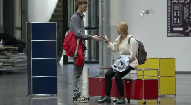 usm haller wohnzimmer:Scholz & Friends Schweiz: USM Haller will ins Wohnzimmer – Werbung